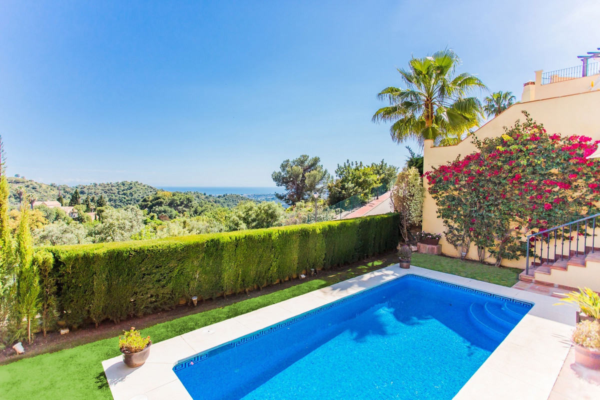 South-facing immaculate villa with breathtaking views over the mountains and the Mediterranean towar, Spain