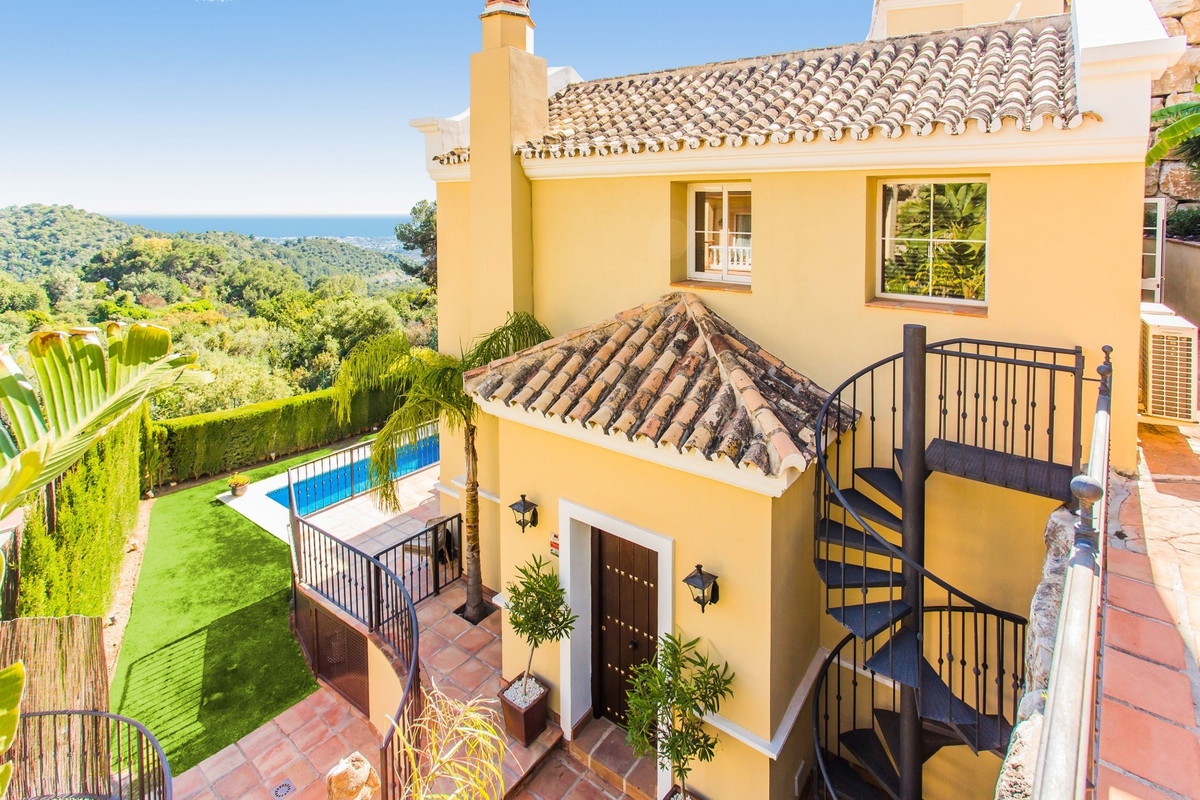 4 Bedroom Detached Villa For Sale Istán