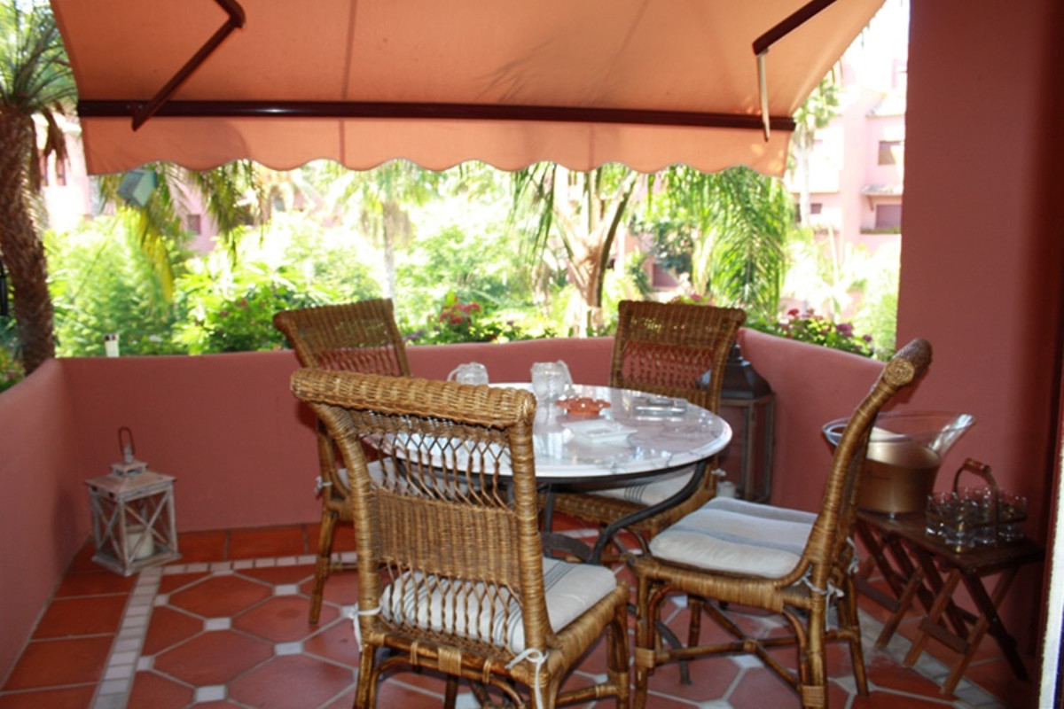 BEACHSIDE · South facing two bedroom apartment in Alicate Playa, well located complex has 24-hr secu,Spain