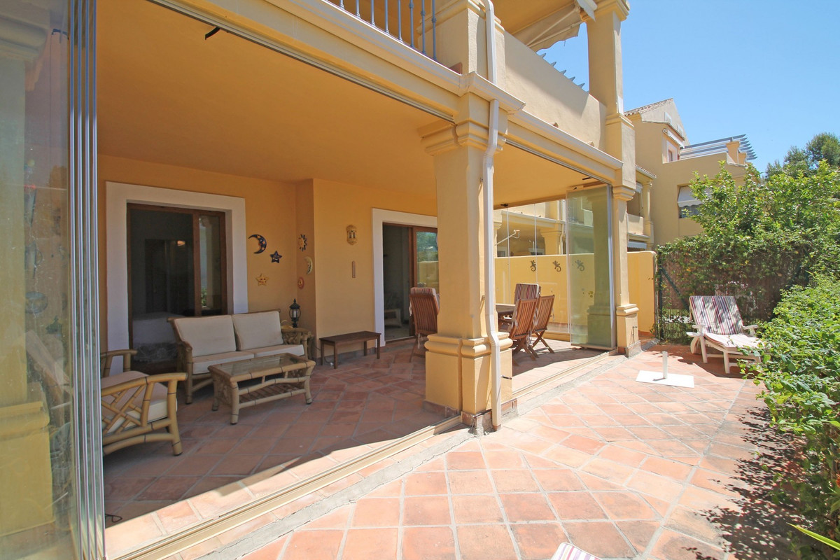 BRIGHT · HOLIDAY HOME · Impeccable three bedroom South facing elevated ground floor apartment in Nag, Spain