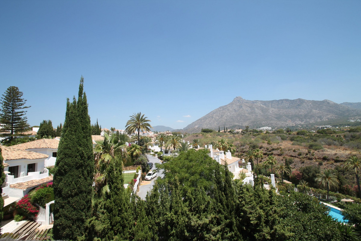 PANORAMIC VIEWS · BRIGHT · Well-presented corner duplex penthouse within a gated and very quiet comm, Spain