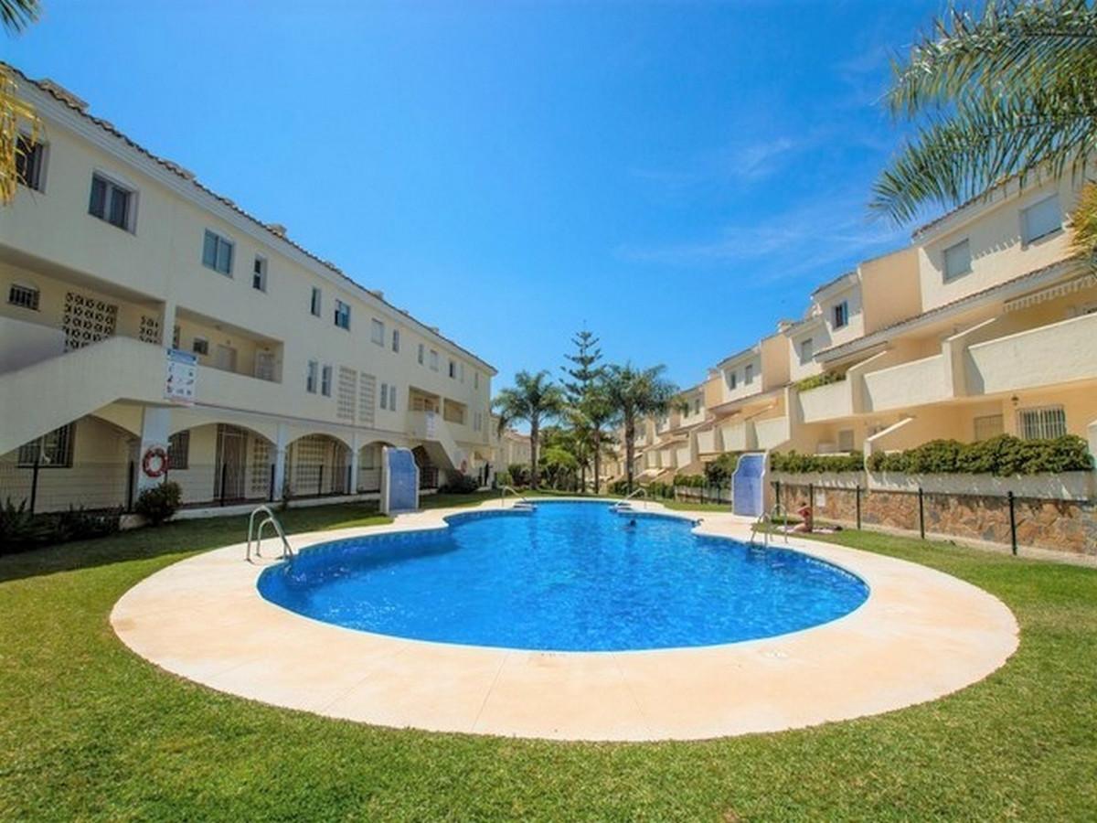 Marbella Banus Apartamento en Venta en Calahonda – R3748180