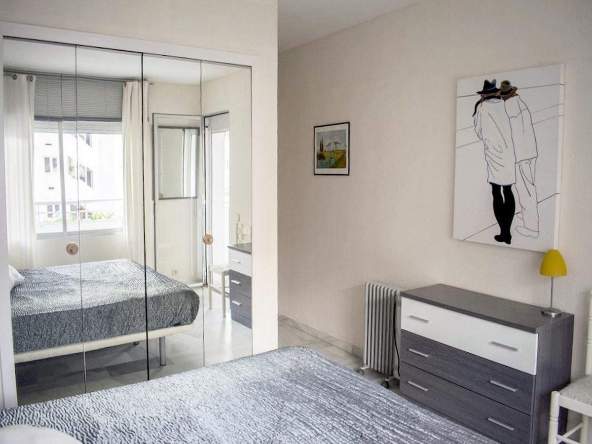 Apartamento Planta Media en Venta en Marbesa – R3628448