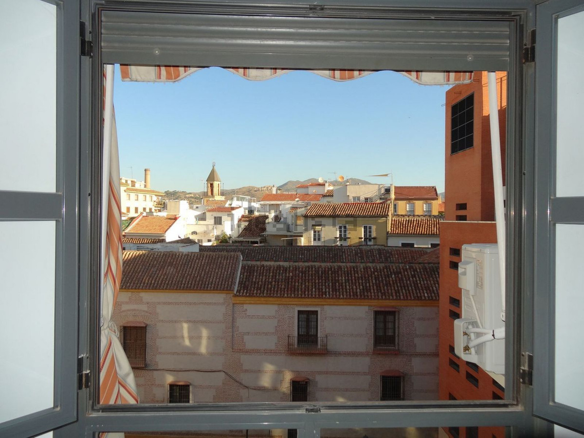 RECENTLY RENOVATED APARTMENT IN MALAGA OLD TOWN  This apartment is located on the Old Town of Malaga, Spain