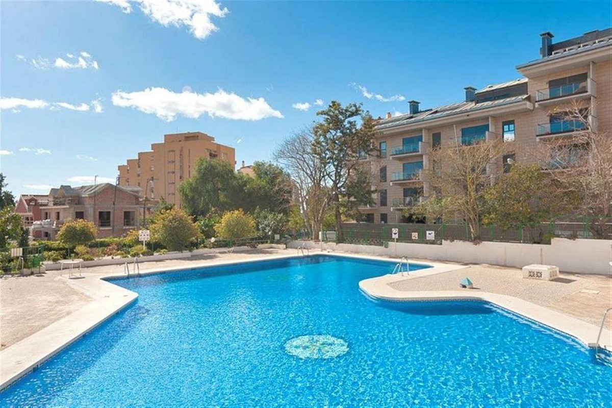LOVELY RENOVATED APARTMENT IN BENALMADENA COSTA. This property is very bright and modern and compris, Spain
