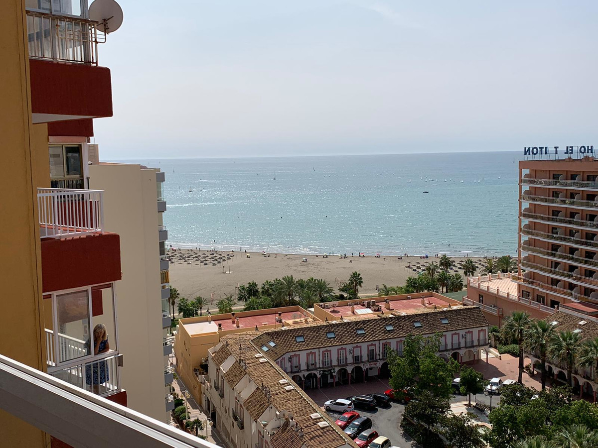 GREAT FRONT LINE BEACH APARTMENT IN BENALMADENA  This property offers a terrace of 12 m2 with fantas, Spain
