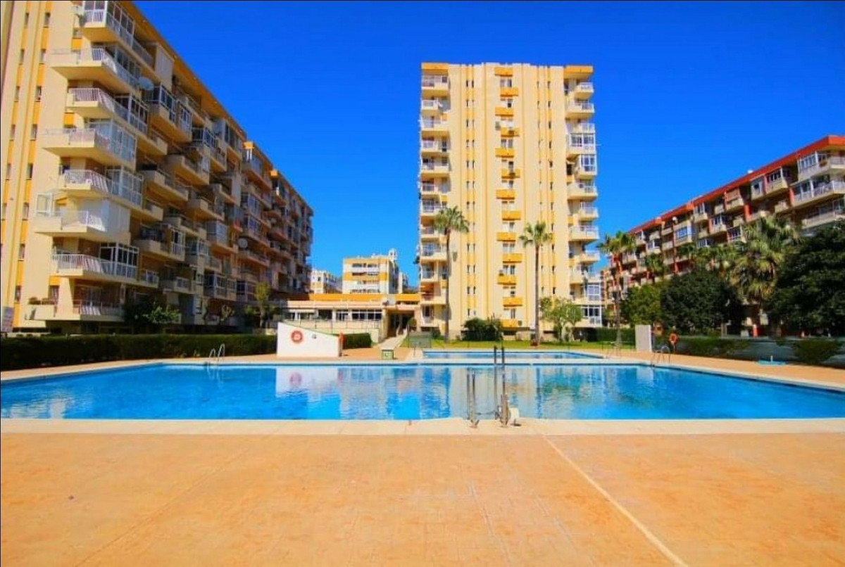 BEAUTIFUL APARTMENT IN BENALMADENA. A perfect apartment to live in or as an investment, it consists ,Spain