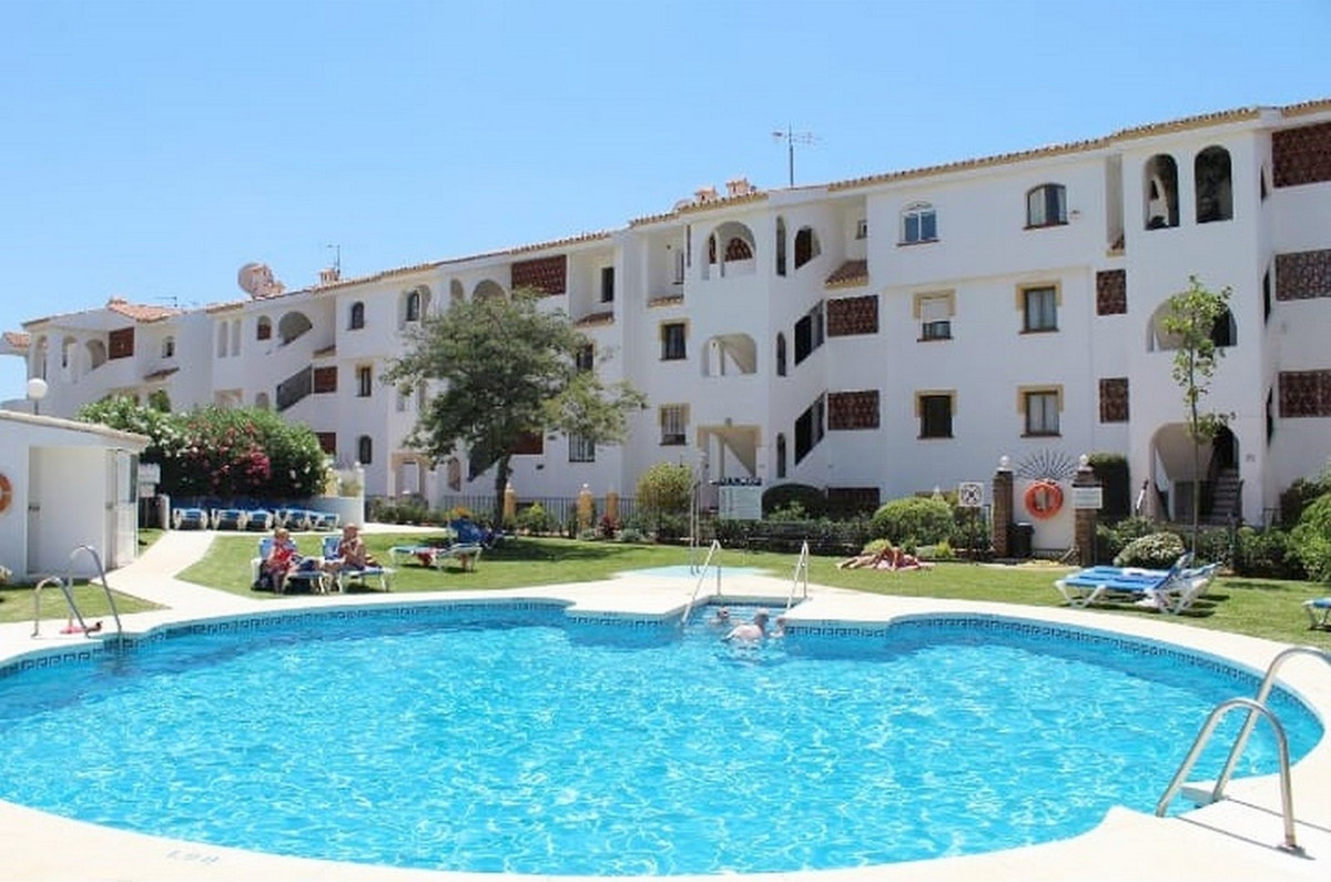 Great location in Riviera del Sol! Just a few minutes walk from the beach, shops and public transpor,Spain