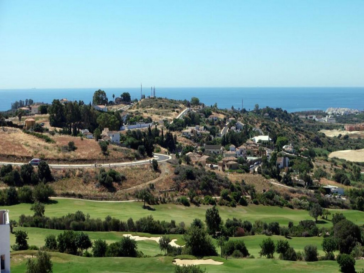 Urban plot in a new urbanization in Estepona, near the port, golf and all amenities. It has electric,Spain