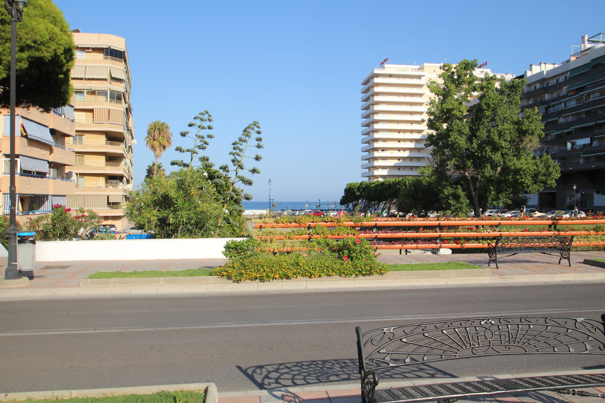 Fabulous Reformed Flat, with 2 bedrooms and 2 Bathrooms only 200 meters from the beach.  Built with , Spain