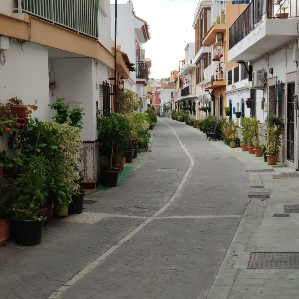 RARE OPPORTUNITY !!!!  LOCATION LOCATION....Fabulous commercial unit in the centre  of La Cala De Mi, Spain