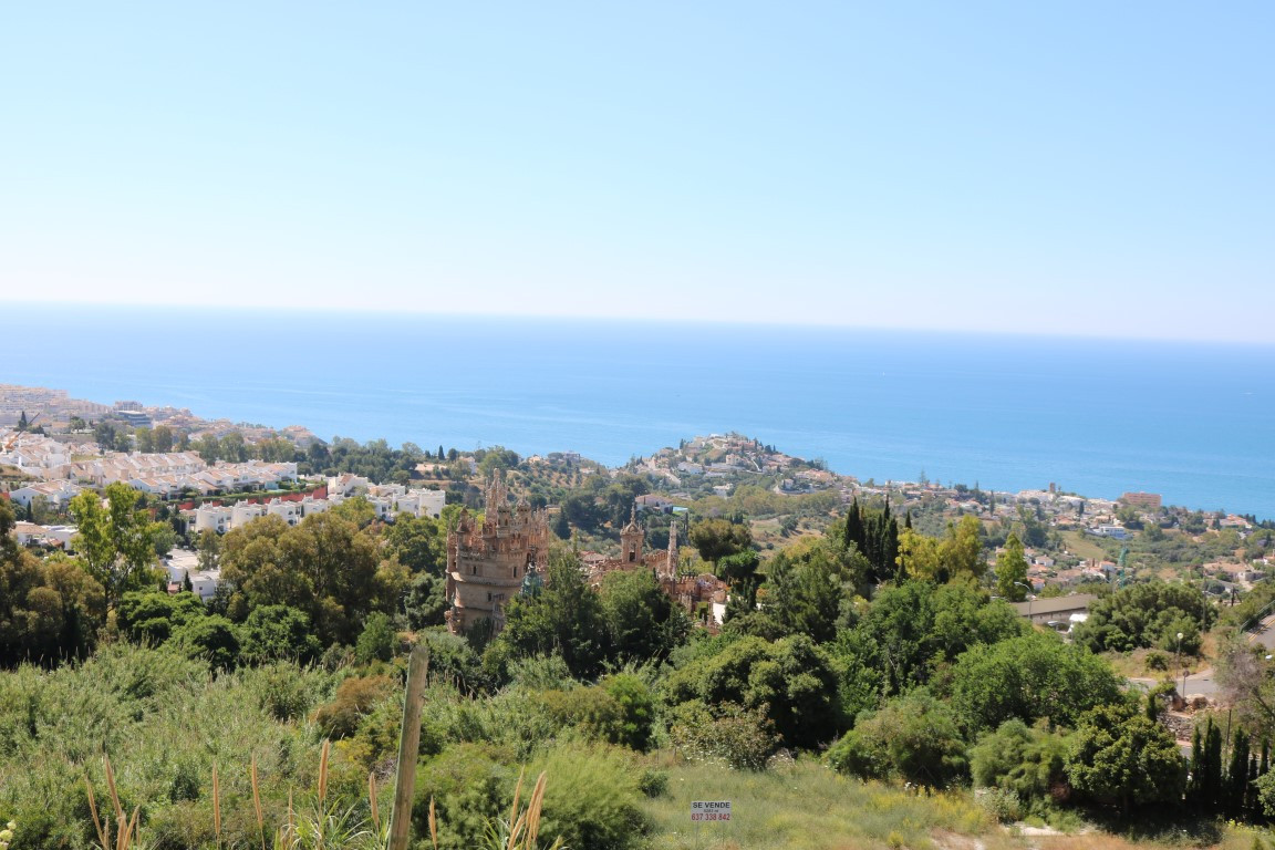 A cozy 2 bedroom 2 bathroom apartment with a lovely terrace and stunning views to the sea and the Ca,Spain