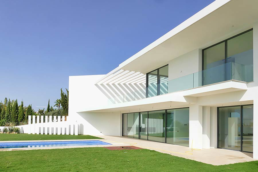An exceptional modern design villa set in the beautiful area of Benahavis , La Alqueria. Just a few , Spain