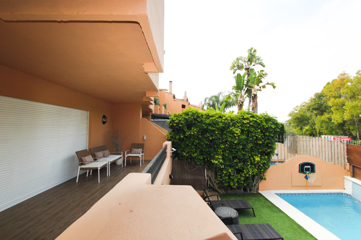 3 Bedroom Terraced Townhouse For Sale The Golden Mile