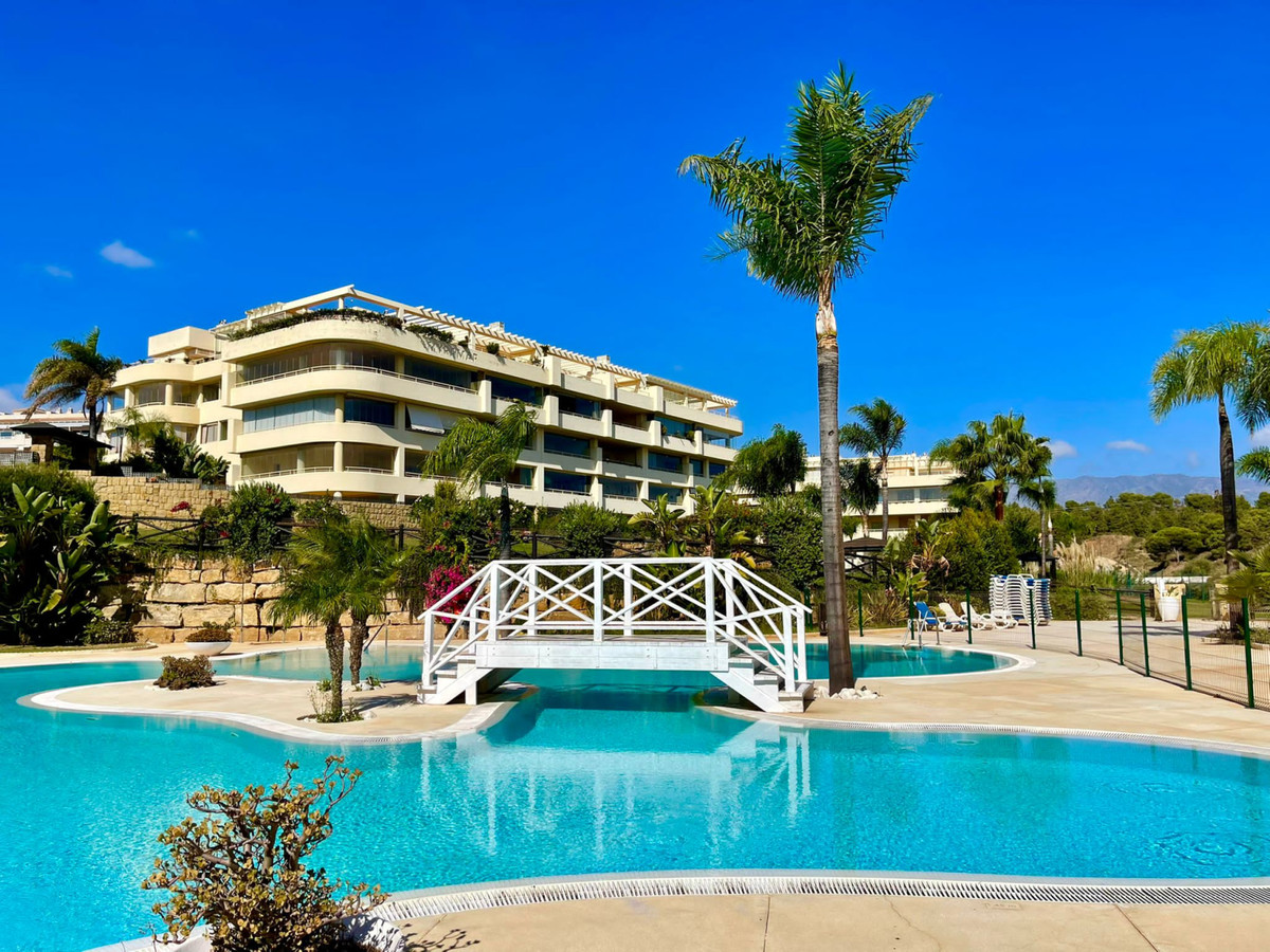 Closed gated complex close to the sea and close to the tourist town of Fuengirola, surrounded by gre,Spain
