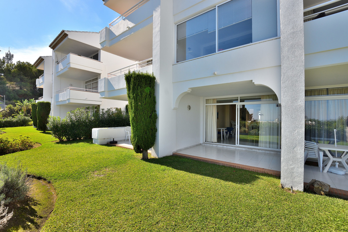 Well-maintained holiday apartment in Miraflores close to all amenities, only 15 minutes' walk to, Spain