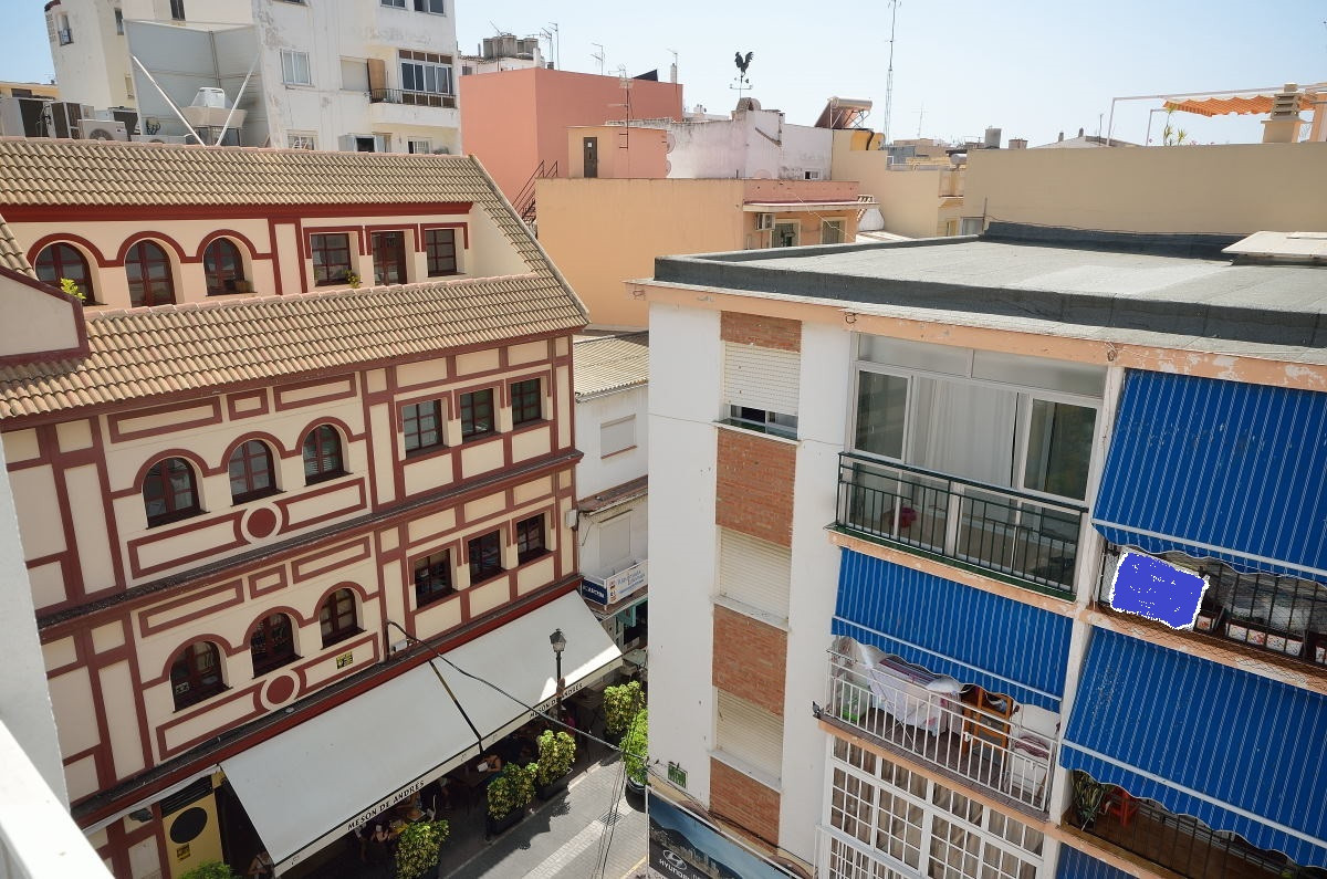 You can hardly find a more central location than in this completely renovated apartment in Fuengirol,Spain