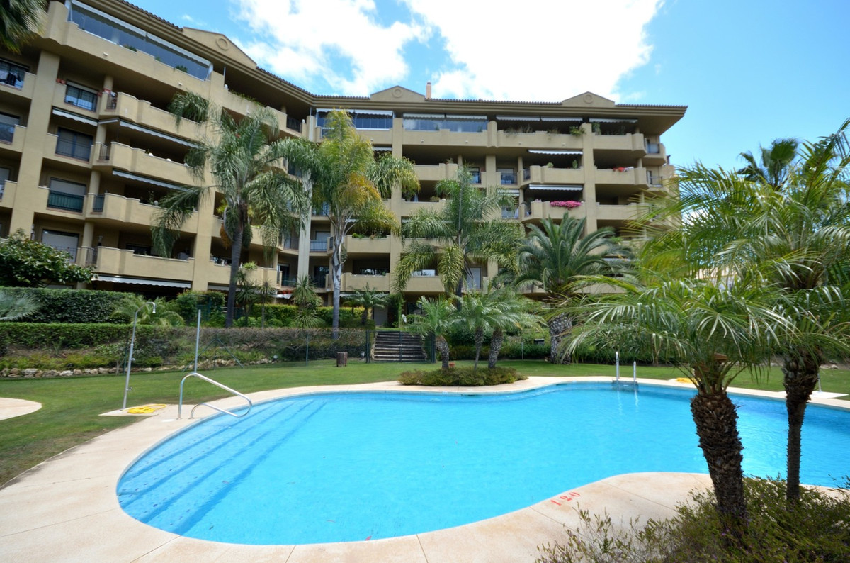 Fabulous penthouse in front line golf in Guadalmina Golf. This spacious 3 bedroom penthouse is locat,Spain