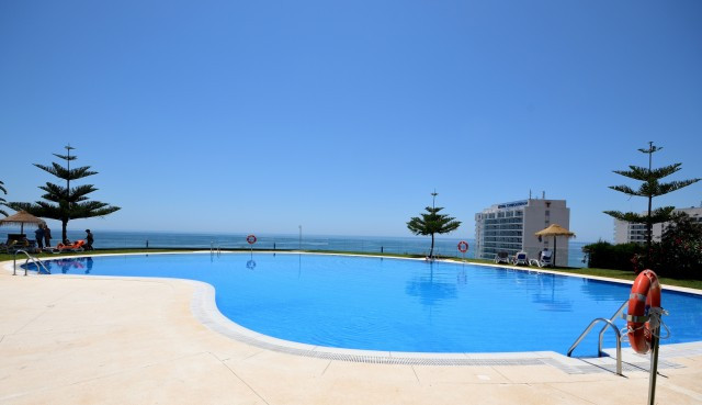 Excellent modern style apartment 5 min walk to the beach in El Coloso, Benalmadena. This 2 bedroom 2,Spain