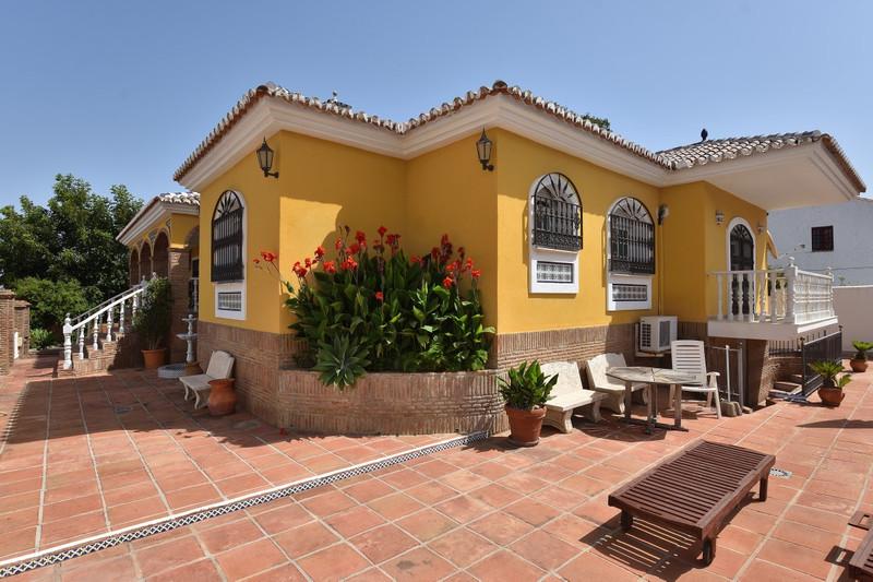 Villa – Chalet en venta en Alhaurín de la Torre – R2740346