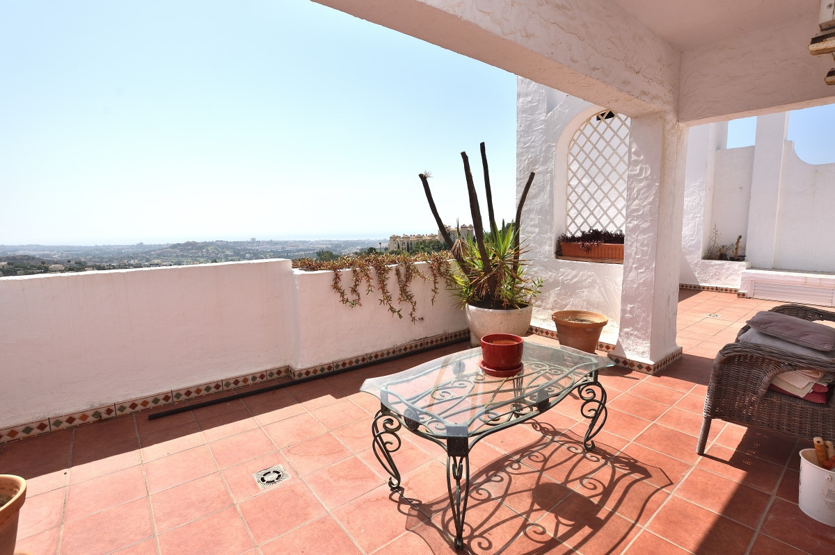 A well maintained high quality penthouse in beautiful Las Colinas consisting of living room with fir,Spain