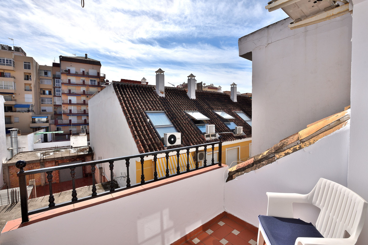 Top floor apartment in the center of Fuengirola on the second line beachside, this bright and spacio,Spain