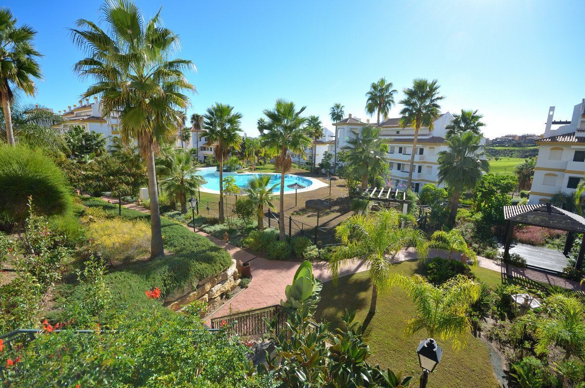Fantastic apartment in well kept gated community in Mijas Costa. This 2 bedroom bright apartment is ,Spain
