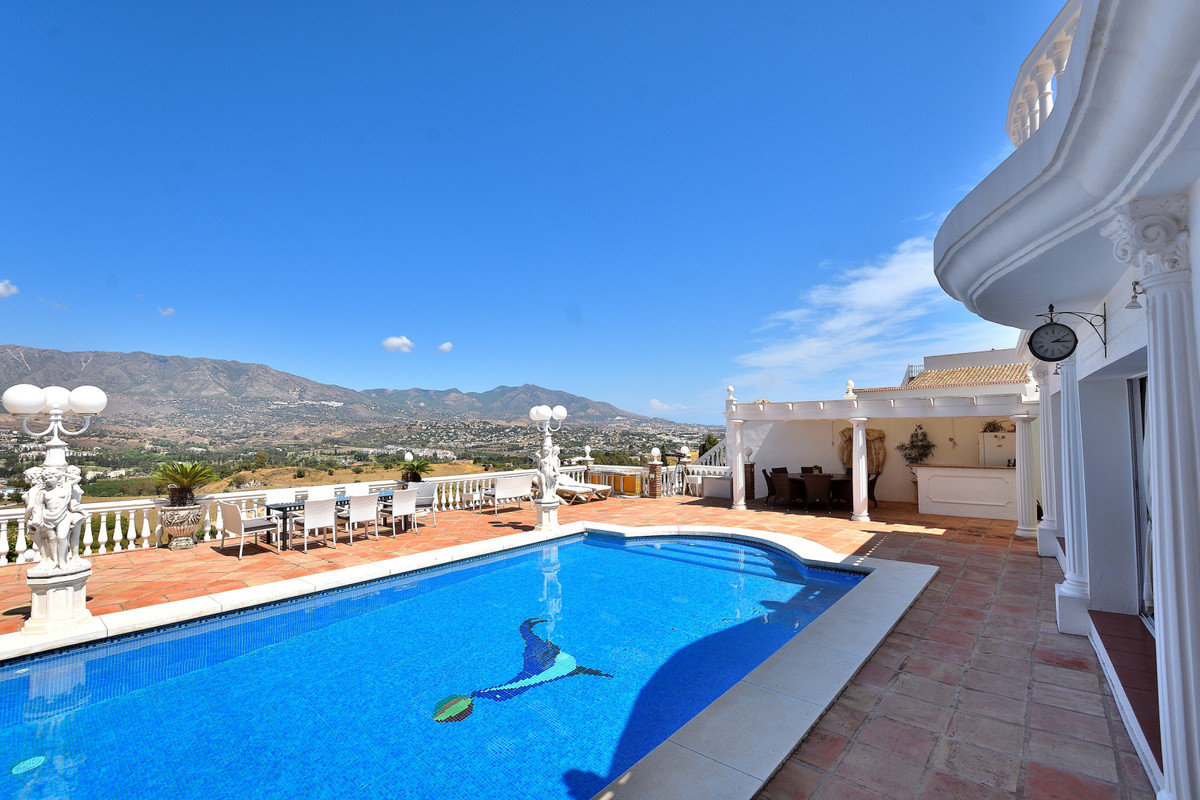 R3253462: Villa for sale in Cerros del Aguila