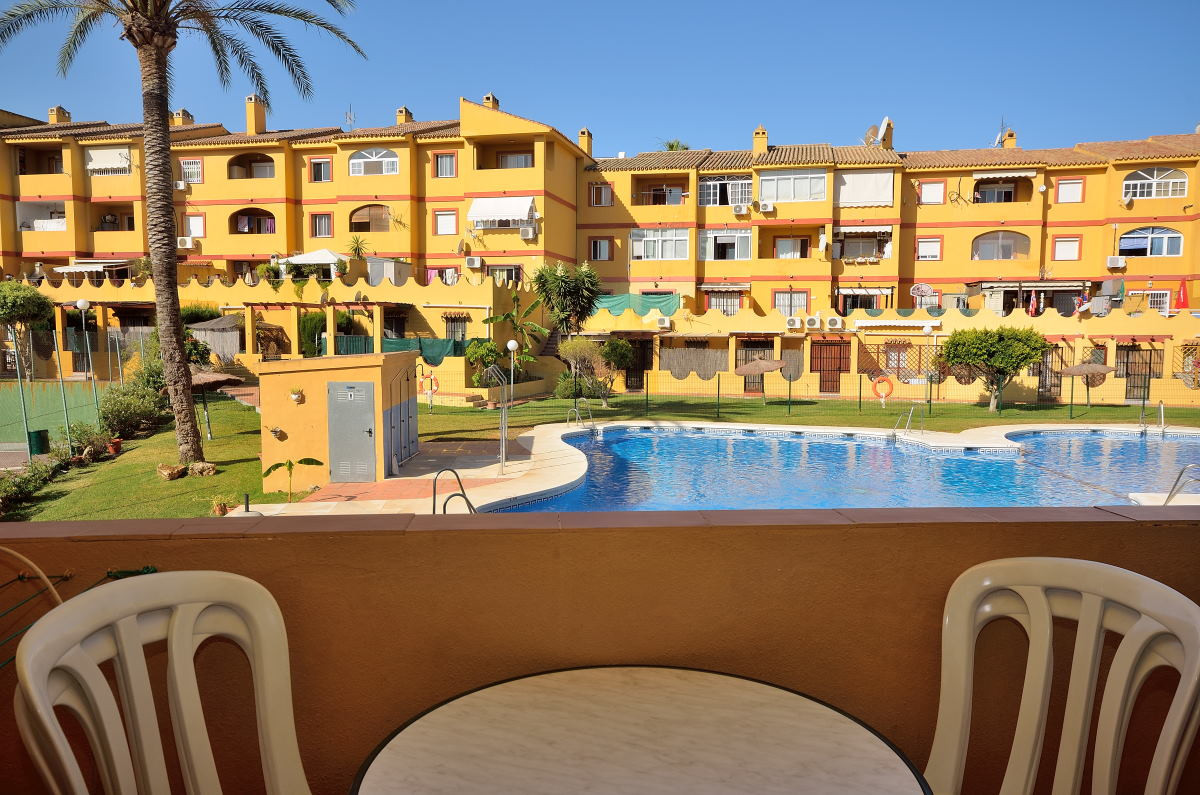 A nice apartment in the increasingly popular and established area Cerros del Aguila, located just 4 ,Spain