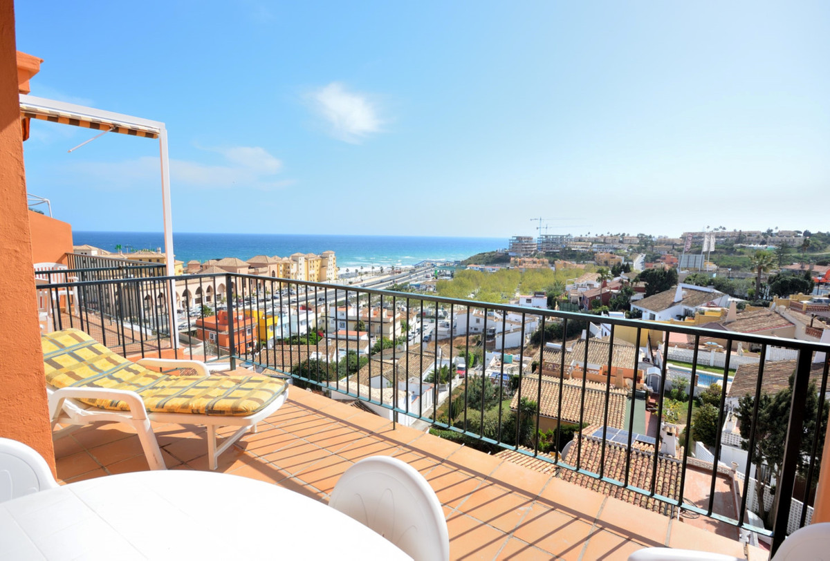 Fantastic penthouse apartment in Playamar 1 in Fuengirola a short walk to the beach, with panoramic ,Spain