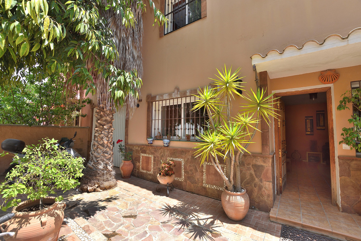 Large and spacious townhouse in La Sierrezuela located in a quiet area. When you are entering the ho,Spain