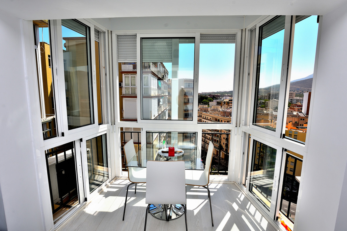 In the Centre of Torremolinos we offer you a 1-bedroom apartment, originally a studio, on the 11th f,Spain