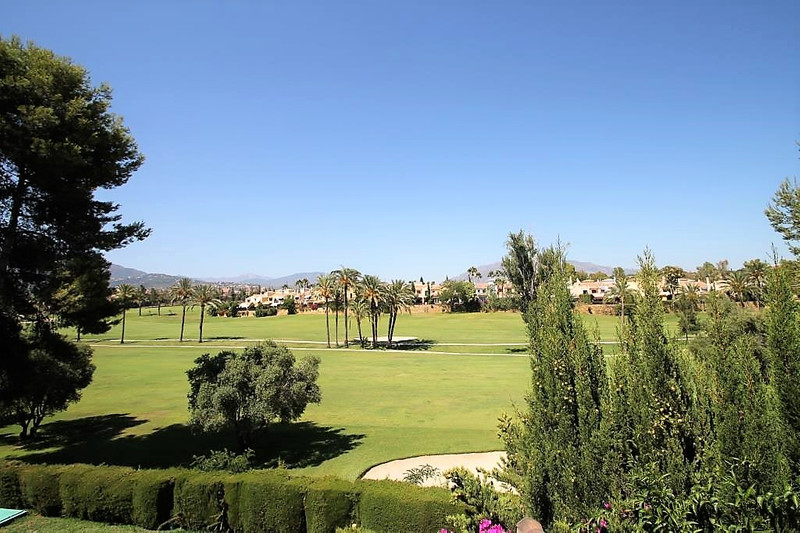 Townhouses for sale in Guadalmina 19