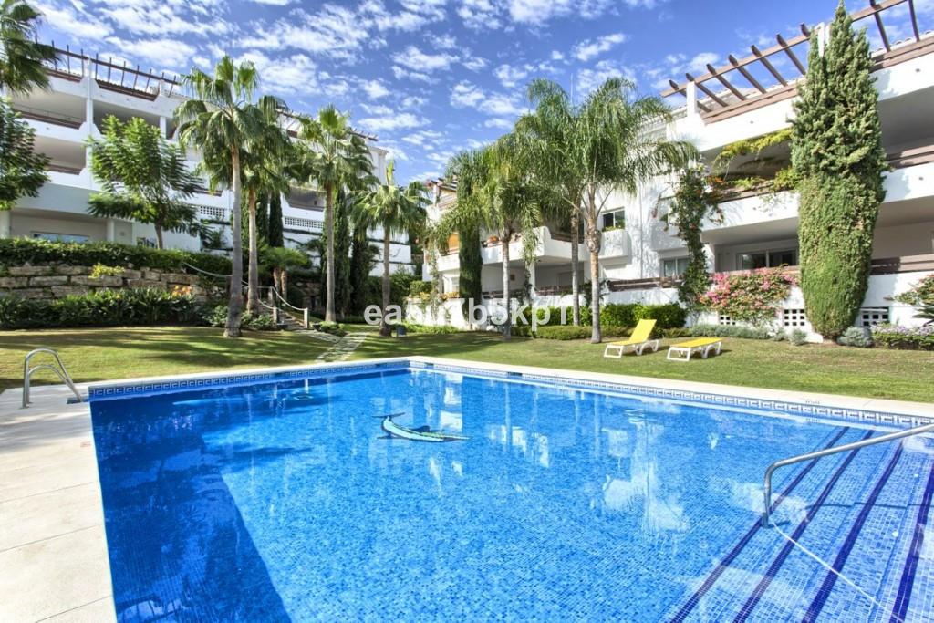 Marbella Banus Apartamento Planta Media en Venta en Selwo – R3447946