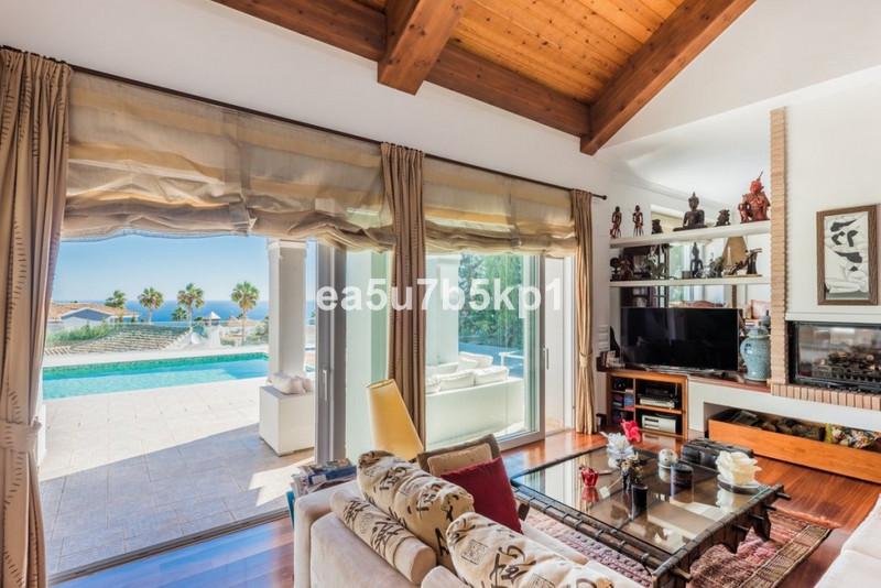 Villa – Chalet en venta en Manilva – R2776427