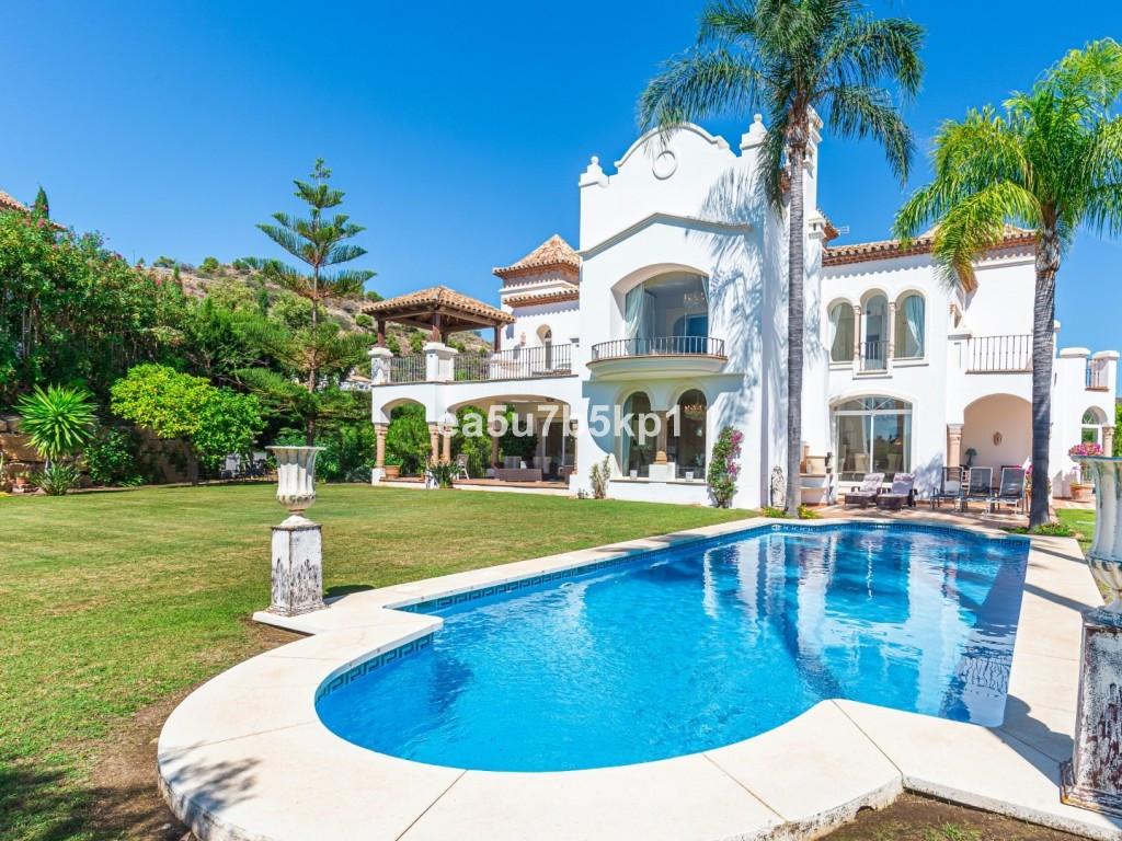 Marbella Banus Villa – Chalet en Venta en Benahavís – R3542884