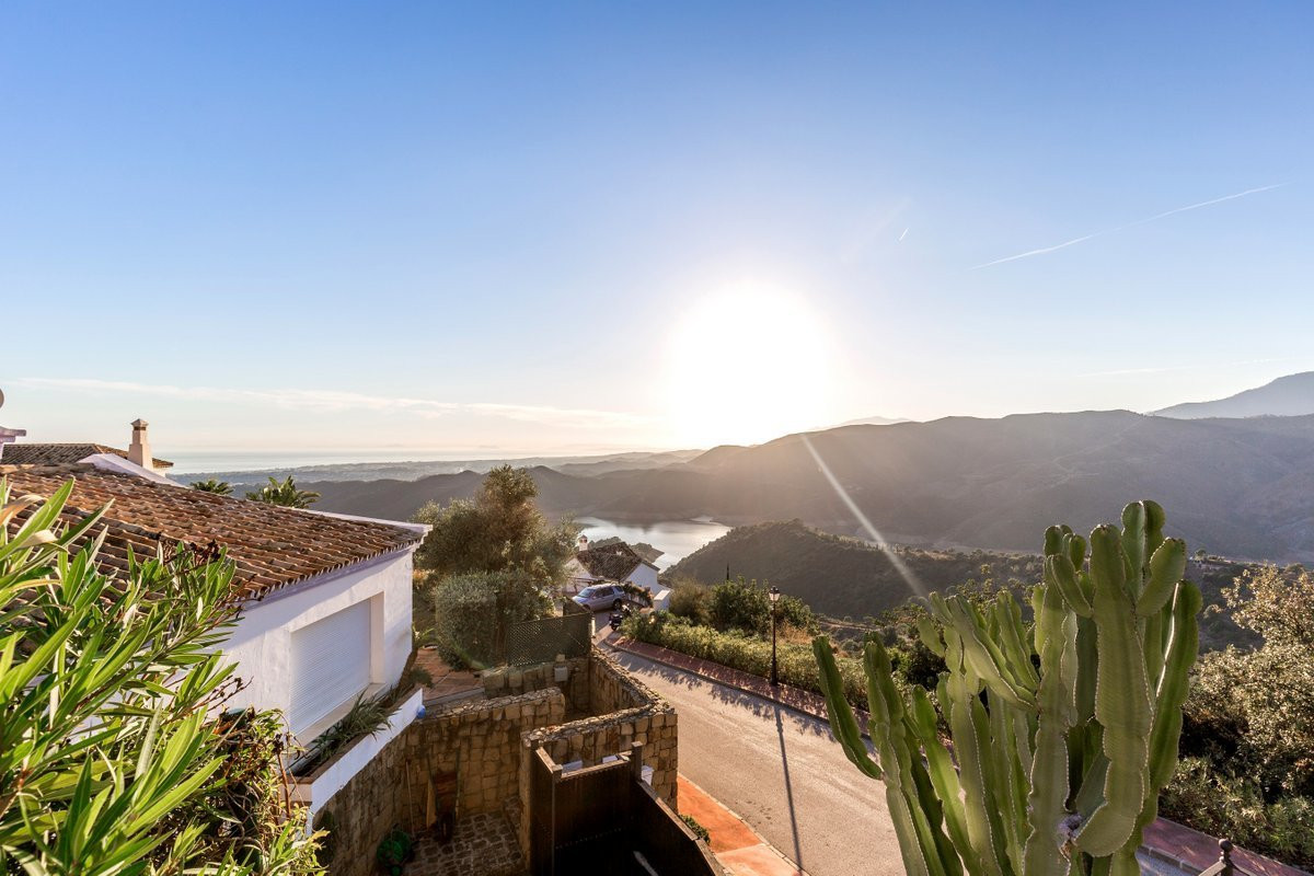 4 Bedroom Villa For Sale - Sierra Blanca