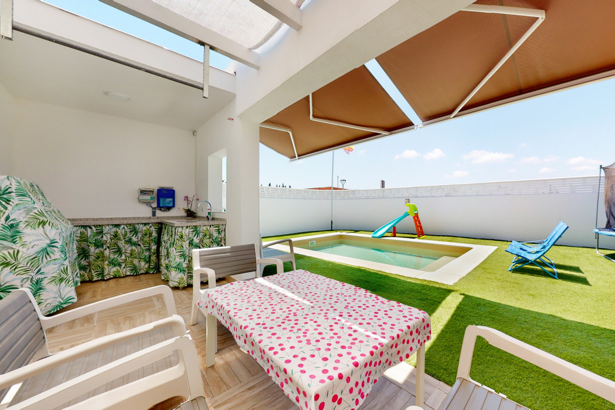 """""""Fantastic and cozy independent villa of recent construction distributed on one floor where you,Spain"""