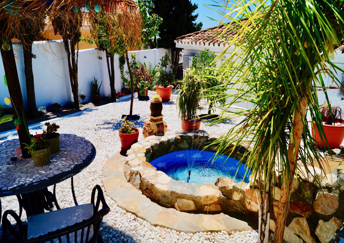 Charming independent one-level villa,  in one of the best areas of the exclusive Urbanisation Torrem,Spain