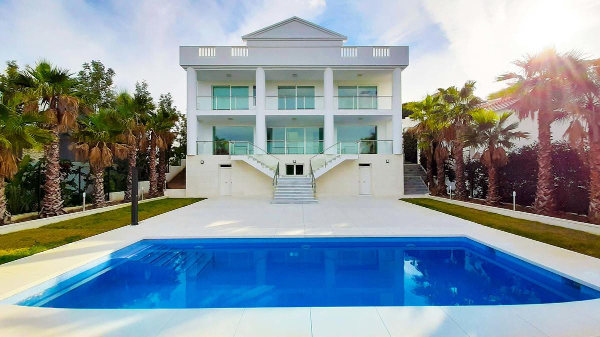 Detached Villa, La Cala de Mijas, Costa del Sol. 6 Bedrooms, 6 Bathrooms, Built 500 m², Terrace 50 m,Spain