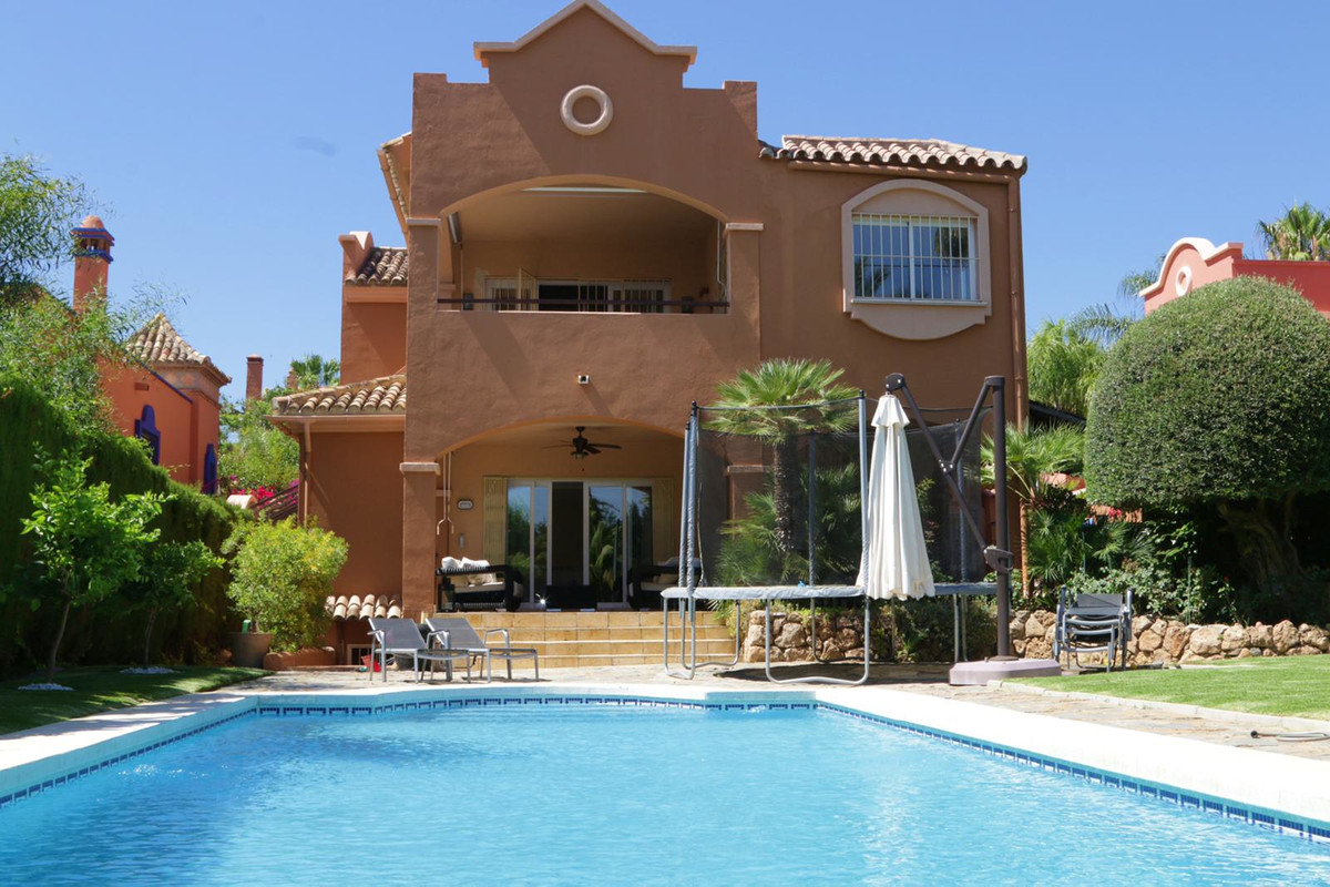 LUXURY  Villa IN LA ALZAMBRA Vasari Resort, Puerto Banus Luxurious  Villa built with the highest sta, Spain