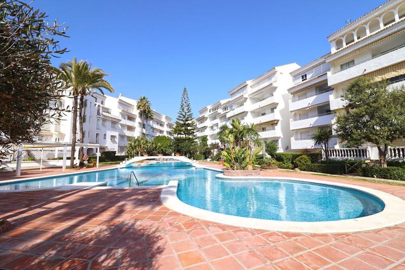 Moyen étage Appartement à vendre à Marbella - R3569092