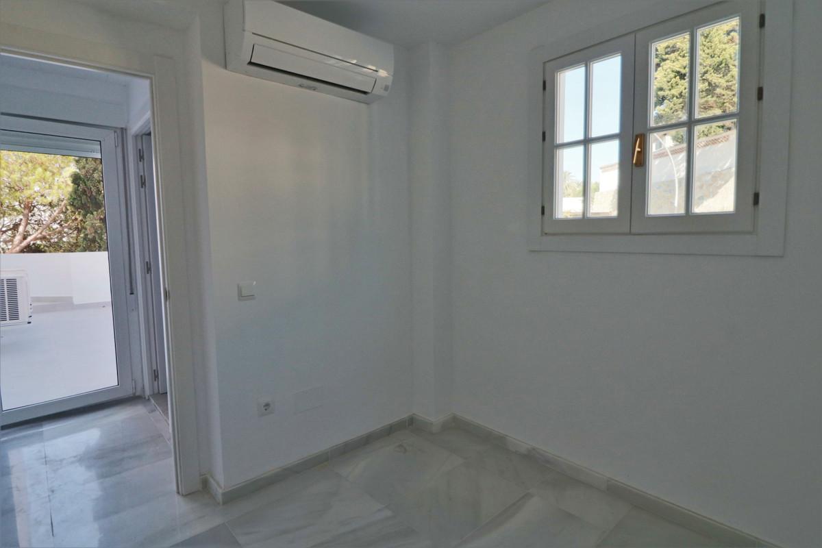 Apartamento en Venta en Nueva Andalucía – R3744904