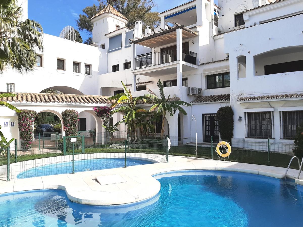 Marbella Banus Apartamento Planta Baja en Venta en Puerto Banús – R3604319