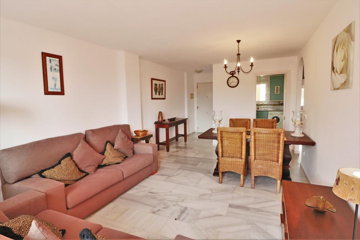 Ático en Venta en Reserva de Marbella – R3762649