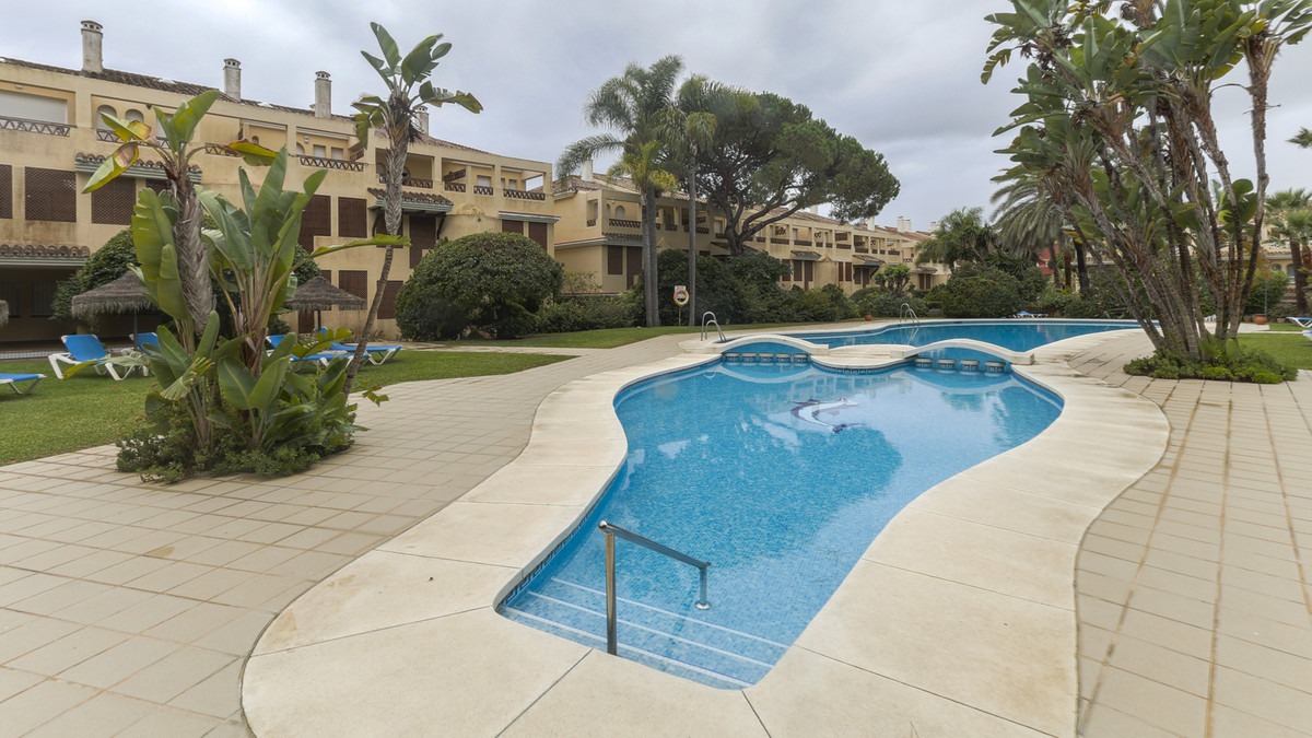 Fantastic Duplex 2 bedrooms and 2 bathrooms ensuite with one guest toilet, located in a very nice re, Spain