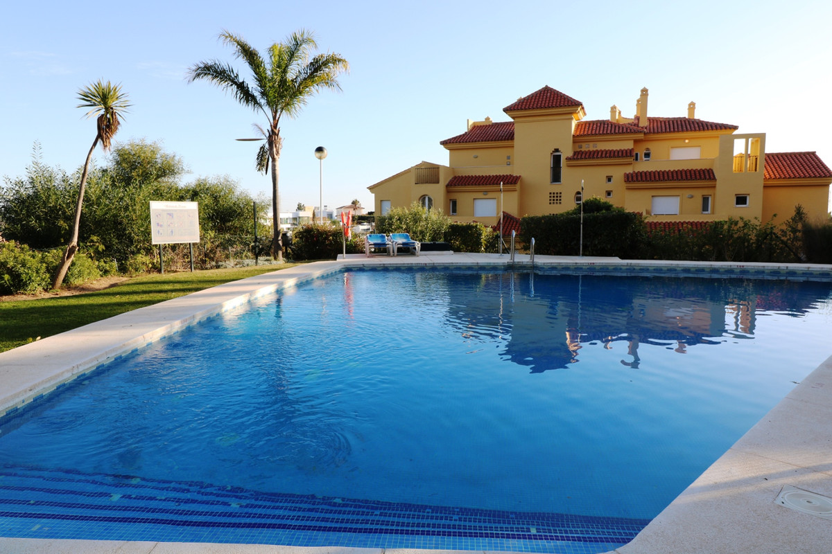 Magnificent elevated ground floor corner apartment for sale with 3 bedrooms and 2 complete bathrooms,Spain