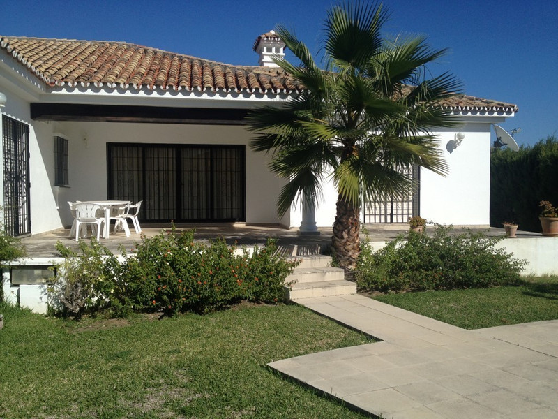 Villa – Chalet en venta en Marbella – R2428103