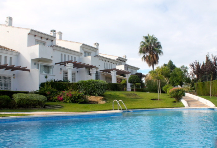 Magnificent townhouse in Riviera with short walking distance to shops and restaurants, only an 8 min, Spain