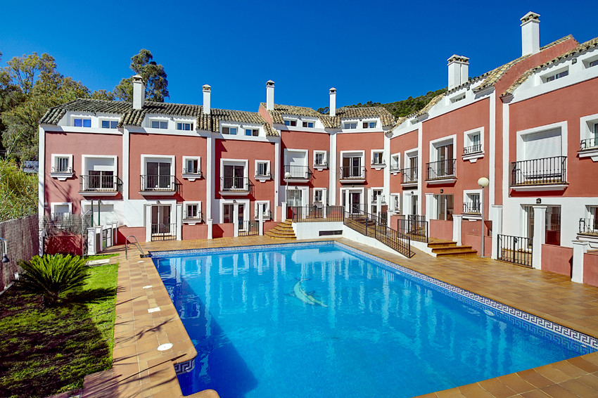 This fabulous new development of townhouses is located just in the entry of Benahavis, a Spanish mun Spain